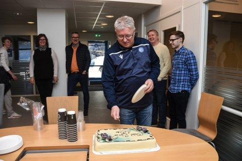KAKE: Per Arne Hansen ble feiret på jobben sist fredag.