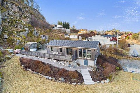 EN PERLE: Einar Håndlykken har omtalt hytta på Bjønnes som en perle. Nå er fritidseiendommen solgt.
