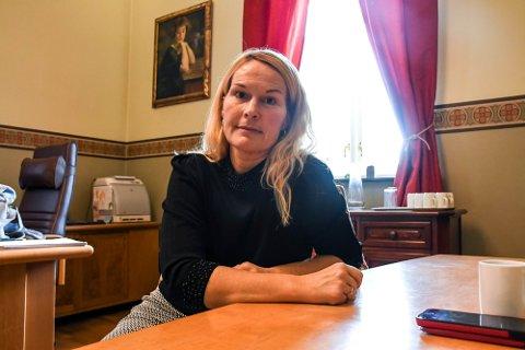 VIKTIGE DAGER: - De neste dagene og helga blir helt avgjørende i forhold til om vi må stramme inn igjen, sier ordfører Hedda Foss Five.