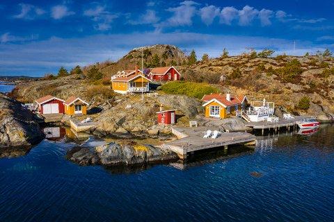 DYREST: Det var en prisantydning på hele 27,5 millioner kroner på denne fritidseiendommen, Røsholmen 16, den ble solgt rekordkjapt.