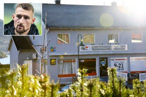TIL SALGS: Kombinasjonseiendommen med bolig og butikk på Akkerhaugen er til salgs. Innfelt: Eieren, fotballspiller Elba Rashani.