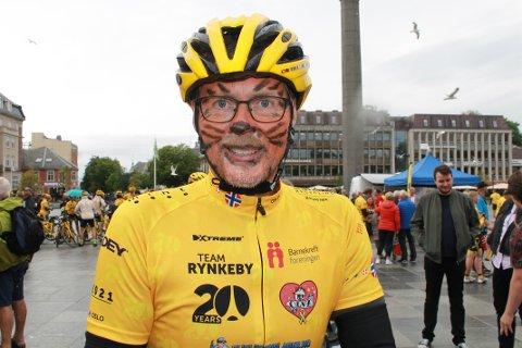 STILLER OPP: Rune Nilsen har både i sommer og de to siste årene vært med og syklet inn mange millioner til Barnekreftforeningen.