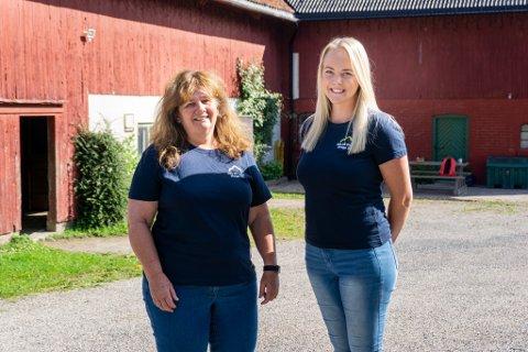 """MASSE Å TILBY: Anne Follaug (t.v) og Merethe Hestvik Øverland håper så mange som mulig melder seg på """"Sammen mot ensomhet - på gården"""". De er klare på at de kan tilby aktiviteter som passer for alle."""
