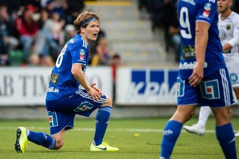 Sundsvalls Oliver Berg efter en missad målchans under lördagens fotbollsmatch i Allsvenskan mellan GIF Sundsvall och Östersunds FK på NP3 Arena.