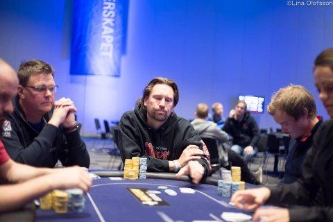 Kjell Høiseth gjør det meget bra i Poker-NM.