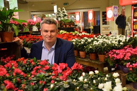 LETER ETTER REDNINGEN: Knut Berg, daglig leder i Knupp-kjeden, bekrefter at det er åpnet konkurs i hagesenterkjeden.