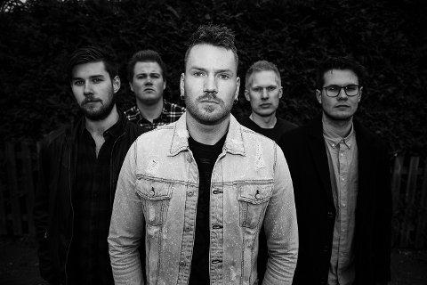 I PUBEN: Countryrockbandet Wild Whens fra Notodden sørger for musikken på Teledølen lørdag 29. desember.
