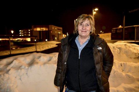 VIL JOBBE HELTID: Astrid Borsodi er vikar for en vikar i 80 prosent stilling på Kongsberg, og skulle så gjerne hatt en fulltidsjobb i hjembyen, men dette har vist seg vanskeligere å få enn hun trodde i 2013.