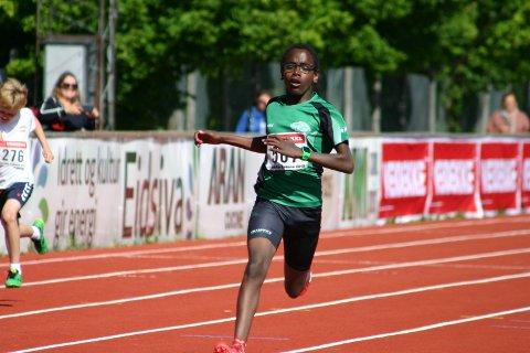 Markus Nesholen løp inn til ny klubbrekord på 600 meter under et løpestevne på Nadderud denne uken.