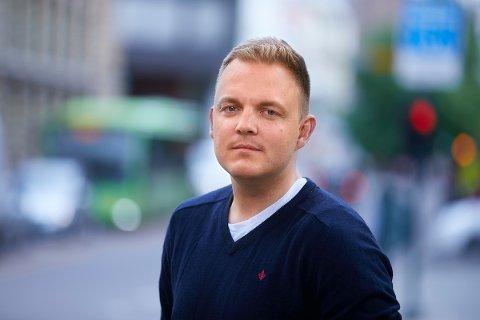 MANGE SPØR:  - Det er godt at mange spør, men det er likevel mange som ikke gjør det, sier Jonas Wærstad, kommunikasjonsrådgiver i  Trygg Trafikk