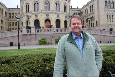 HAN VAR DER: Som rådgiver for KrF på Stortinget har Alf Rose Sørgaarden fra Hjuksebø vært ringside i det politiske dramaet som har utspilt seg de siste ukene.
