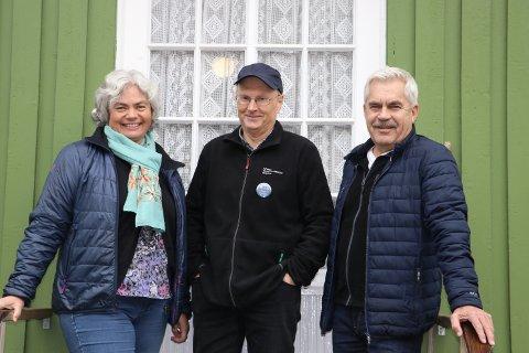 INVITERER: Bli med på vandring i verdensarven! oppfordrer Ole Arvid Vassbotten, Trond Aasland og Ragnhild Kaste Kaasa. De er klare for å vise rundt på Villamoen, Admini og i Grønbyen.