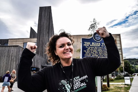 TIL EM I BLUES: Frontfigur i Reloaded Norway, Heidi Kvanholm Blåsmo, er tatt ut til å representere Norge i European Blues Challenge. - Helt fantastisk, nå skal vi gi jernet, sier låtskriveren og vokalisten.