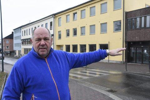 Pause: Notodden SVs femtekandidat Borgar Løberg vil ta en pause i legevakt/legesenter-saken. Og få vurdert på en ordentlig måte en eventuell flytting hit til Domusbygget.
