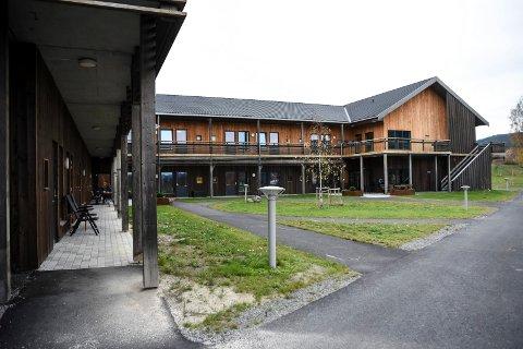 SYKEPLEIERE: Ved Haugmotun sykehjem er det behov for sykepleiere tilsvarende åtte årsverk i tillegg til sommervikarer.