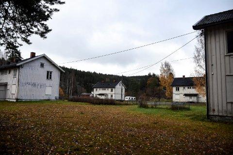 SELGES: Notodden boligstiftelse har besluttet at de skal selge arbeiderboligene på Svelgfoss.