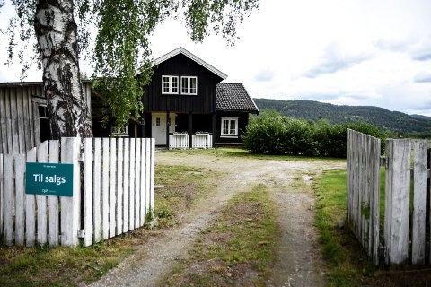 IDYLL: Brennavegen 17 er en liten landlig idyll i utkanten av boligfeltet på Yli.