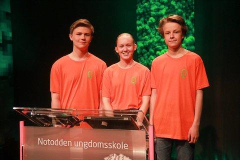 SEMIFINALE: Det ble med semifinale på NUSK-laget som virkelig har imponert i Klassequizen på NRK. Ole Thomas Lunde, Emma Engehult og Jon Holtan Øverbø