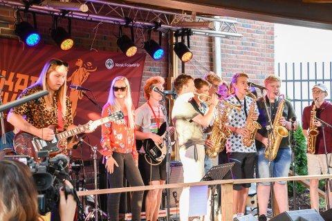 """KLARE: """"Musikk-kollektivet"""", """"Mixed Strings"""" og direkteinnspilling av """"Notodden Blues Pod"""" - alt er lokalt, alle er unge. Disse, samt en gjeng som har reist over 200 mil, kan du vente deg på Teledølen-scenen under torsdagen i Bluesfestivalen."""