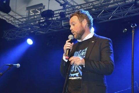 RØTTER: Næringsminister Torbjørn Røe Isaksen mener det ikke er en tilfeldighet at bluesen har så rotfeste i Notodden med arbeiderkulturen og stedets historie.