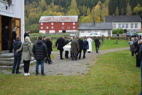BEGRAVELSE: Tor Henning Dalen (39) som ble skutt og drept av politiet på Bolkesjø tirsdag 22. september, ble begravet i dag ved en sørgehøytidelighet i hjembygda Gransherad og på Notodden.