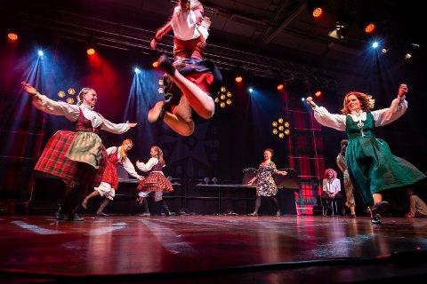 FULL LEIK: Mamalooks med Vilde Westeng i front fra Landskappleiken 2019 i Vågå.