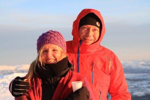 Jon Atle Holmberg og Elin Folseraas skulle egentlig ha giftet seg neste uke. Nå er planene utsatt på ubestemt tid.