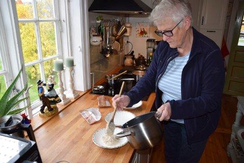 Godt å ha : Vera Tinnes Solaas, leder i Heddal Bygdekvinnelag, mener fokus på matberedskap er viktig for oss alle. Og egenprodusert mat er godt  ha. (Arkivfoto)