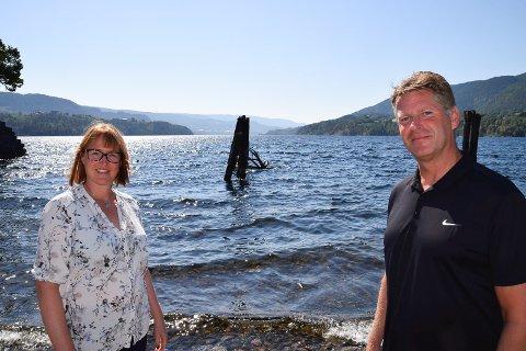 Optimister: Daglig leder i NUAS , John Terje Veseth, her sammen med prosjektleder Marianne B. Kanstad, har stor tro på at prosjekt fiskeoppdrett i Notodden kan bli en realitet.