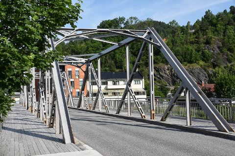 AUGUST: Arbeidet på Tinnåa Bru starter 3. august.