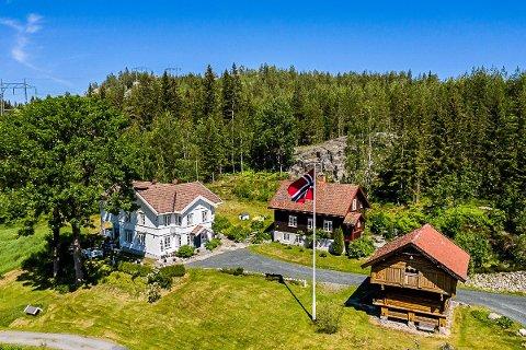 GODTATT: Reshjem gård var i mange år pensjonat og mellomstasjon for reisende i Telemark. Nå flytter snart en ny familie inn på gården mellom Notodden og Bø.