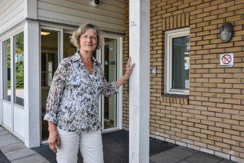 EN AV 69: En innbygger fra Notodden har vært med Hurtigruten, og er en av de nær 400 passasjerene som nå er satt i karantene, bekrefter kommuneoverlege Mie Jørgensen.