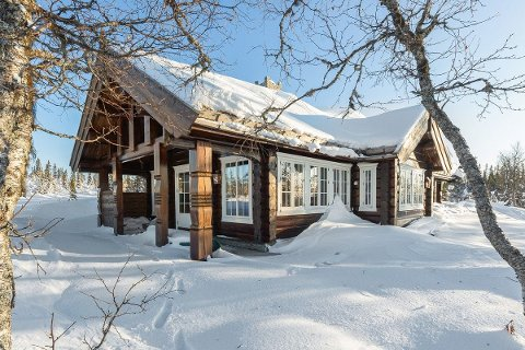HØY PRISKLASSE: Denne familiehytta på Russmarken, selges for drøye 6,1 millioner.