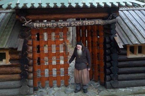 """ROBERT MUNK: Trappistmunken Robert K. Anderson fra sin kommunitet i Massachusetts, USA, til Norge for å realisere sitt eneboerkall. I Tinn ble han """"Robert munk""""."""