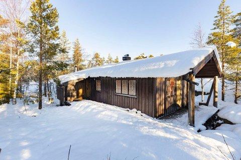 TAKST: Denne hytta på Breiset fra 1983 ble solgt for 400 000 kroner over takst. Eller nærmere 42 prosent om man vil.