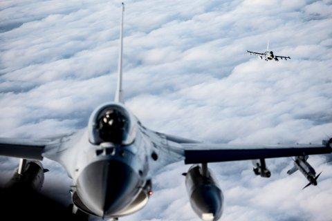 IKKE SYNDEREN: På Kongsberg mente man å høre lyden av jagerfly tirsdag kveld, men det var i hvert fall ikke Forsvaret som var ute med sine jagerfly, får Telen bekreftet.