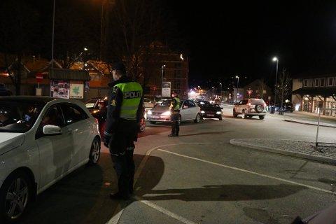 BORTVISER FOLK: Torsdag kveld blir en rekke rånere bedt om å forlate rånetreffet.