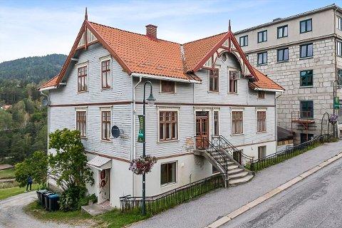 TIL SALGS: Storgata 56 i Notodden ligger nå ut for salg.