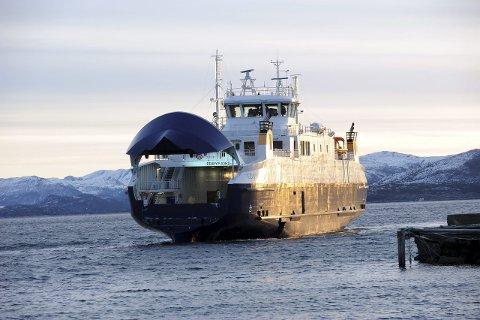 Nestenulykke: MF «Edøyfjord» var på kollisjonskurs med et marinefartøy seks dager før det gikk skikkelig galt for fregatten KNM «Helge Ingstad».