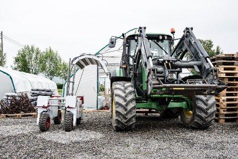 Bildet viser Thorvald, en ny robot som er vesentlig lettere enn en traktor og kan komme ut på jordet selv når det er vått. Dette gir en lengre vekstsesong og reduserer risikoen for tap av avling i sesonger med mye nedbør.
