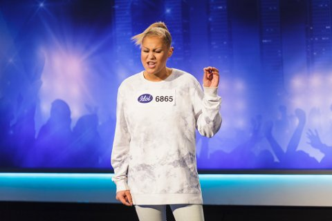 Kristine Hellem fra Kristiansund overbeviste juryen med sin egen låt.