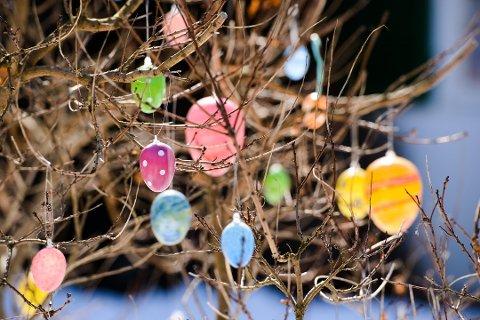 - Egget og kyllingen er symboler på påsken og nytt liv, skriver Lars Christian Bjørnå.