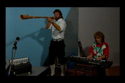 Tordis Moen Bakke og Roy Bakke representerte Surnadal i programserien.