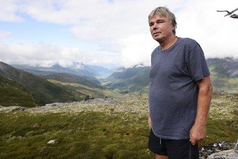 I SITT EGET RIKE: Georg Mossing der han trives best og har tilbrakt til sammen flere år av sitt liv. – Det er fjellet som er livet mitt, sier mannen som kjenner Trollheimen bedre enn de aller fleste.