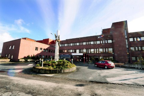 Det er nå to koronapasienter innlagt på Kristiansund sjukehus. Siden lørdag har antall koronapasienter på sykehuset gått fra fire til to.