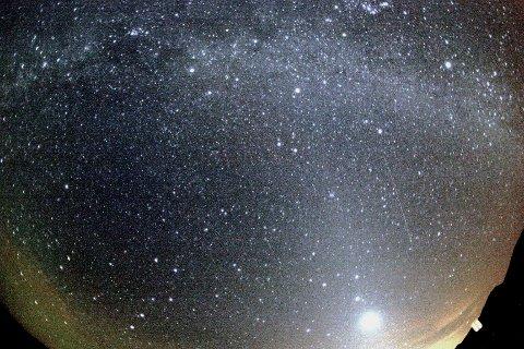 Orionide-meteor fotografert i 2008.