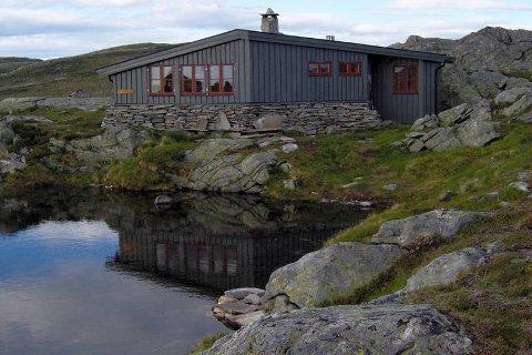 En av de 28 hyttene til KNT er Hardbakkhytta.