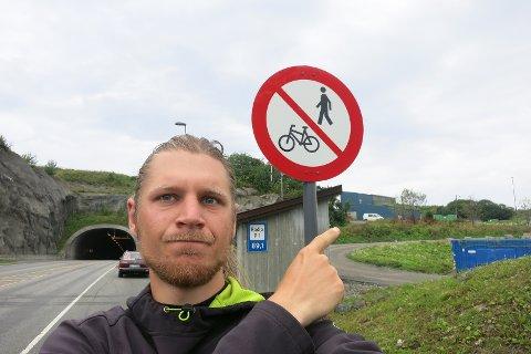 - Hvis du bare har sykkel må du betale. Er du rik nok til å ha to biler, kjører du gratis, skriver Bernhard Kriegeskorte.