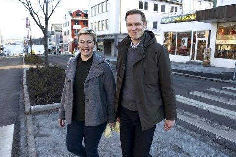 Samarbeid: Enhetsleder for kultur Eigunn Stav Sætre i Kristiansund kommune og nyhetsredaktør Henning Betten i Tidens Krav vil at du skal fortelle dine drømmer for Kristiansund om 25 år, når byen feirer 300-årsjubileum.