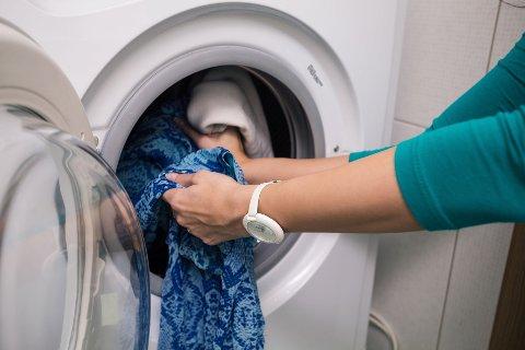 BILLIG I DRIFT: Å kjøre en klesvask på 60 grader koster mindre enn en krone.